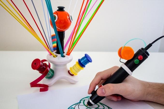 This 3D-printing pen runs on plastic bottles