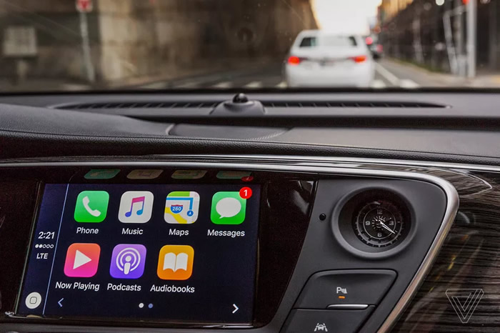 Cutting Apple and Google out of the automotive equation