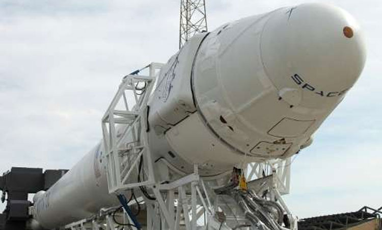 SpaceX mission to supply ISS astronauts ends safely