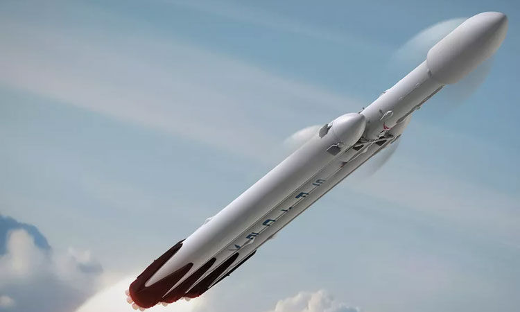 SpaceX prepare for maiden voyage of Falcon Heavy rocket