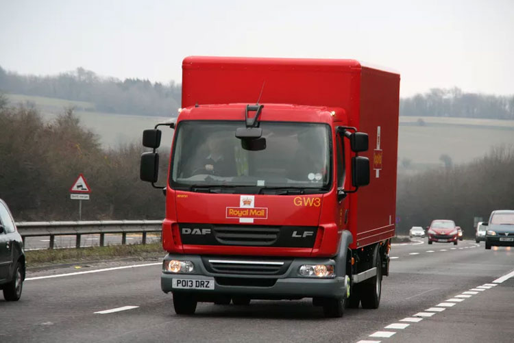 UK Royal Mail Trials Electric Post Vans In London